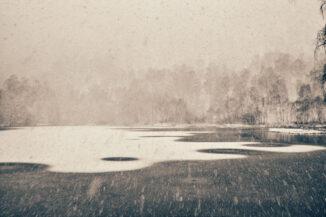 Snowstorm, Craigellachie Lochan, Aviemore
